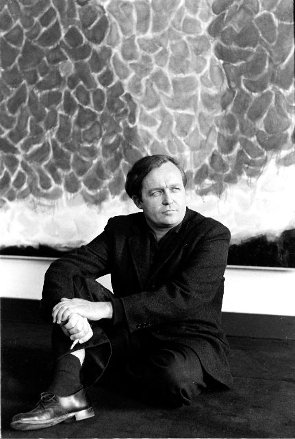Sam Francis at Galerie Rive Droite, Paris, 1955; photo © Pierre Boulat/Cosmos.
