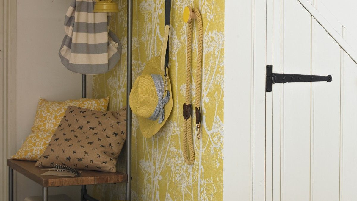 From fresh, bright palettes to fine floral motifs and antique finds ...