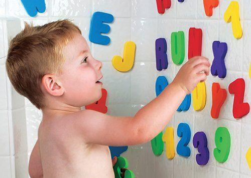 Munchkin 011108 Bade Buchstaben und Zahlen Badespielzeug: Amazon.de: Baby