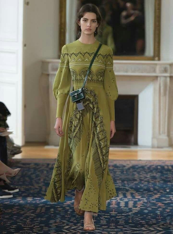 Valentino SS17 fashion show