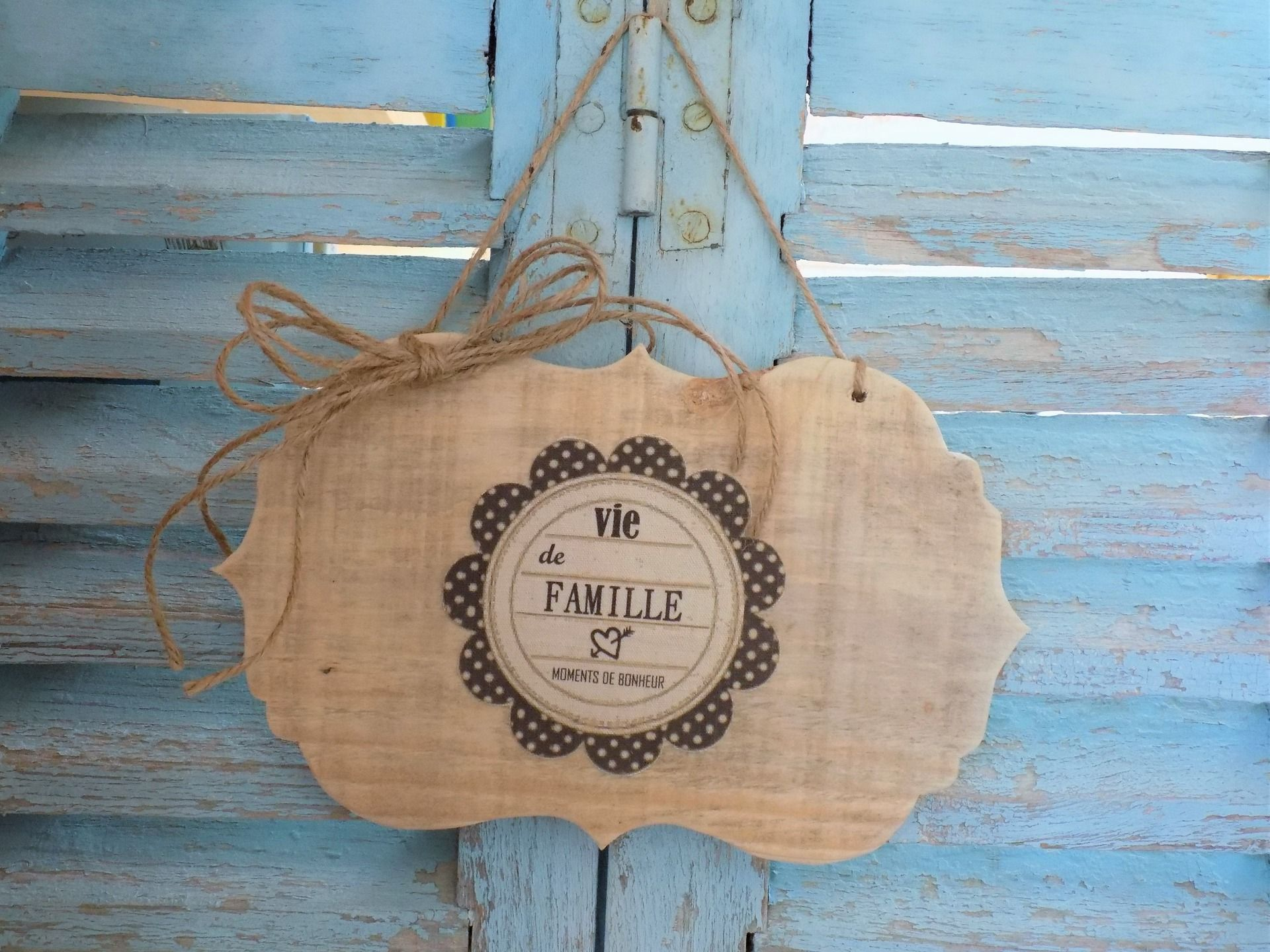 pancarte d coration murale plaque de porte vintage en bois vie de famille d corations. Black Bedroom Furniture Sets. Home Design Ideas