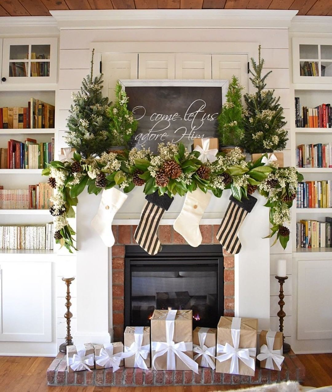 2019 Christmas Farmhouse decor ideas Latest Fashion Trends for Women sumcoco.com #magnoliachristmasdecor