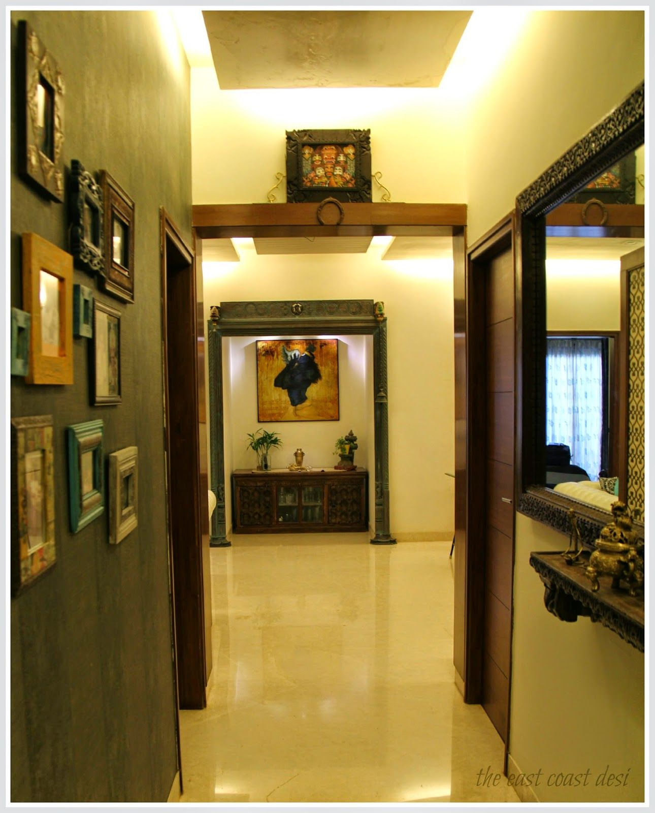 Antique Indian décor elements, contemporary furniture and paintings ...