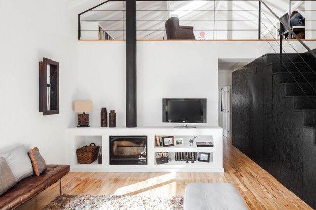 Grange Transformee En Maison Par Ines Brandao Journal Du Design Poele A Bois Maison Poele A Bois Moderne