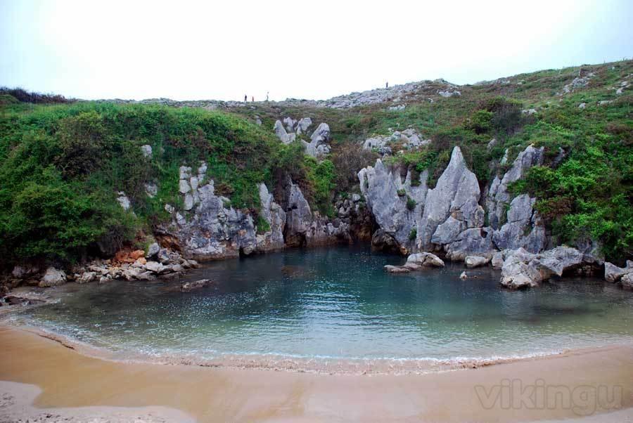Playa de Gulpiyuri (Llanes)
