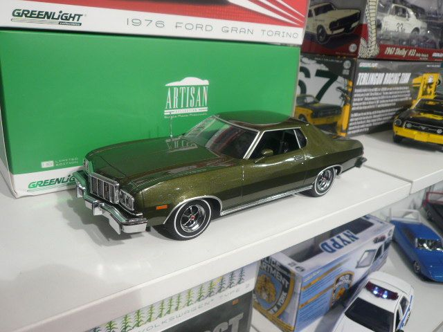 Greenlight 1976 Ford Gran Torino Diecast Car Diecast Model Cars