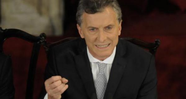 El presidente argentino Mauricio Macri aseguró en una entrevista publicada este lunes por el diario español ABC que el gobierno venezolano de Nicolás Madur