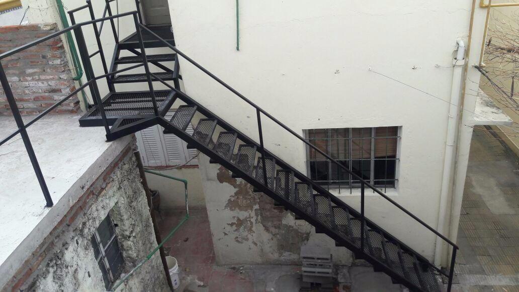 Escalera exterior interior de hierro d nq np 720305 for Escaleras de hierro para exterior