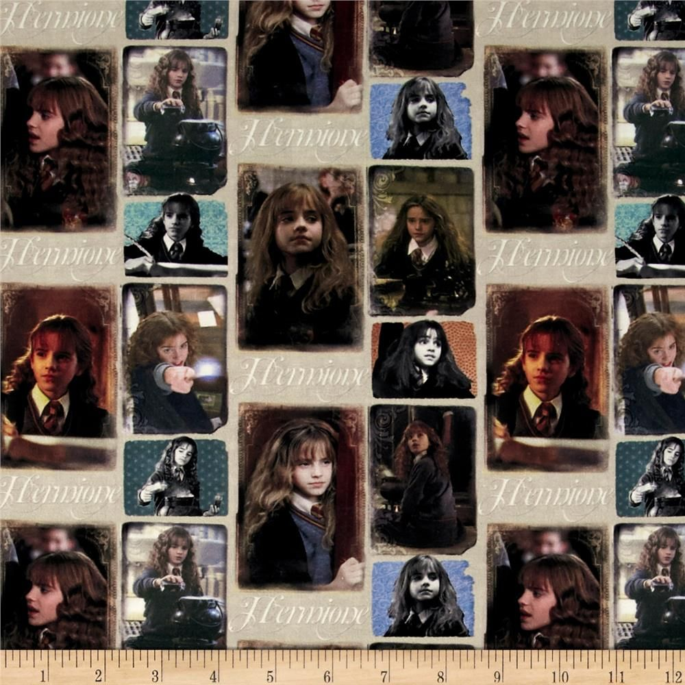 Harry Potter Hermione Multi From Fabricdotcom From Warner Brothers Studios And Licensed To Camelot Fabrics T Harry Potter Stoff Harry Potter Hermione Kissen