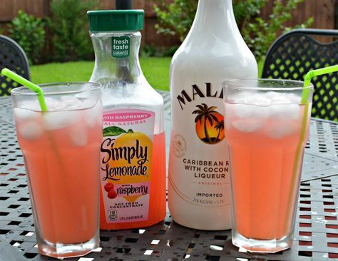 Raspberry Lemonade Summer Cocktail - The Cookin Chicks