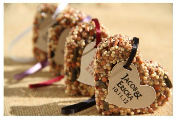Rustic Wedding Favor Ideas {Round-up}