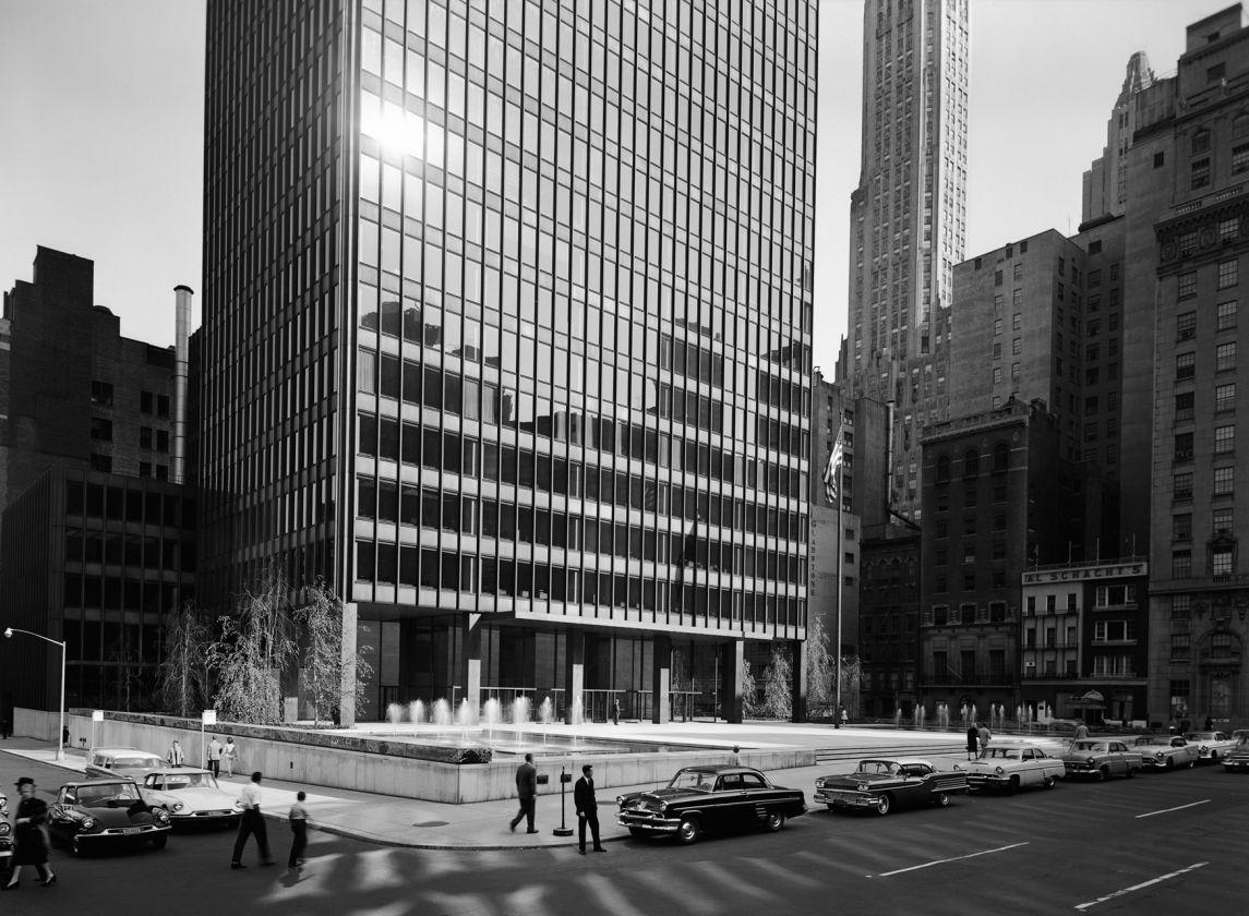 Villa tugendhat arkitalker mies van der rohe - Mies Van Der Rohe In Collaboration With Philip Johnson Seagram Building Ny
