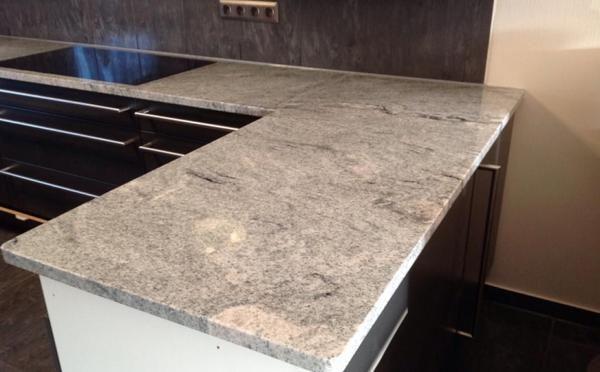 Wie gefällt Euch diese Granit Arbeitsplatte aus dem Material Suede - arbeitsplatten granit küche