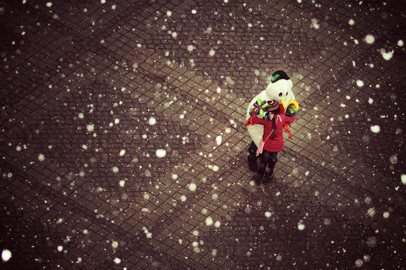 Mr. Snowman by iNeedChemicalX.deviantart.com