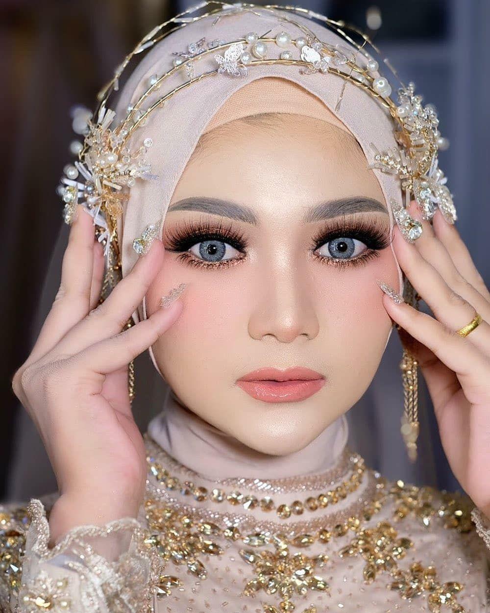Flawless makeup sedang jadi trend makeup modern untuk