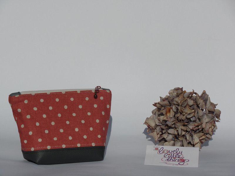 Kosmetiktasche/Schminktäschchen gepunktet aus tollen Stoffen und Kunstleder <3