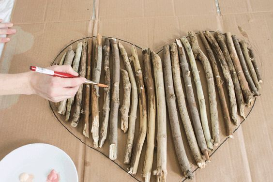 How to Make an Interesting Art Piece Using Tree Branches | eHow.com