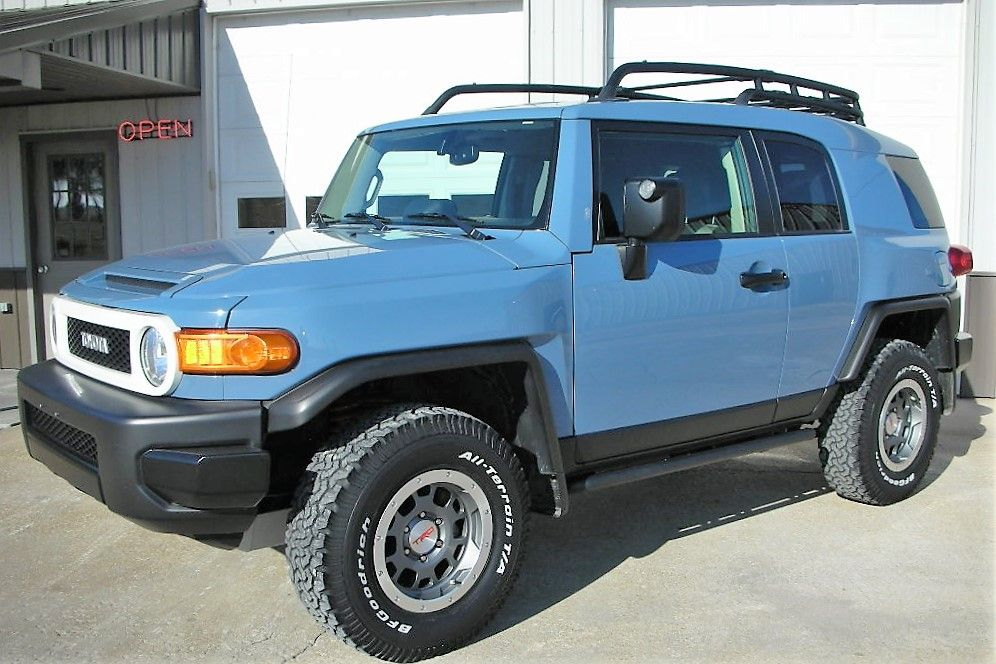 Sold 2014 Toyota Fj Cruiser 4x4 Trail Teams Ultimate Edition 1 Of 2500 Made 25 500 Miles Heritage Blue Toyota Fj Cruiser Fj Cruiser 2014 Toyota Fj Cruiser