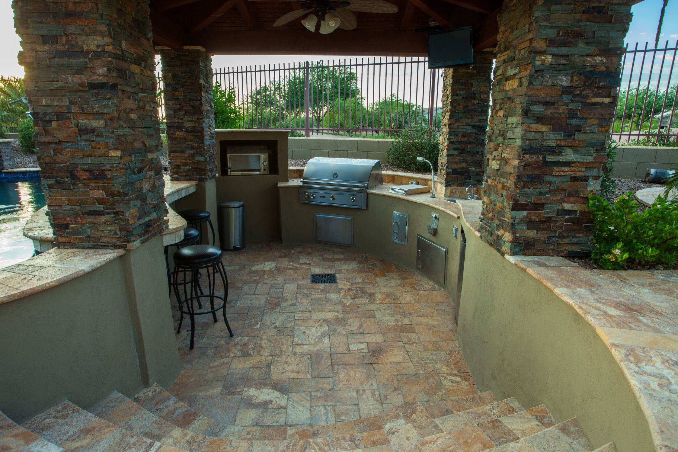 Sunken Outdoor Kitchen Attached To Swimming Pool With Swim Up Bar Project By Aquienta Pools And Landscaping Sunken Patio Backyard Pool Fire Pit Seating Area
