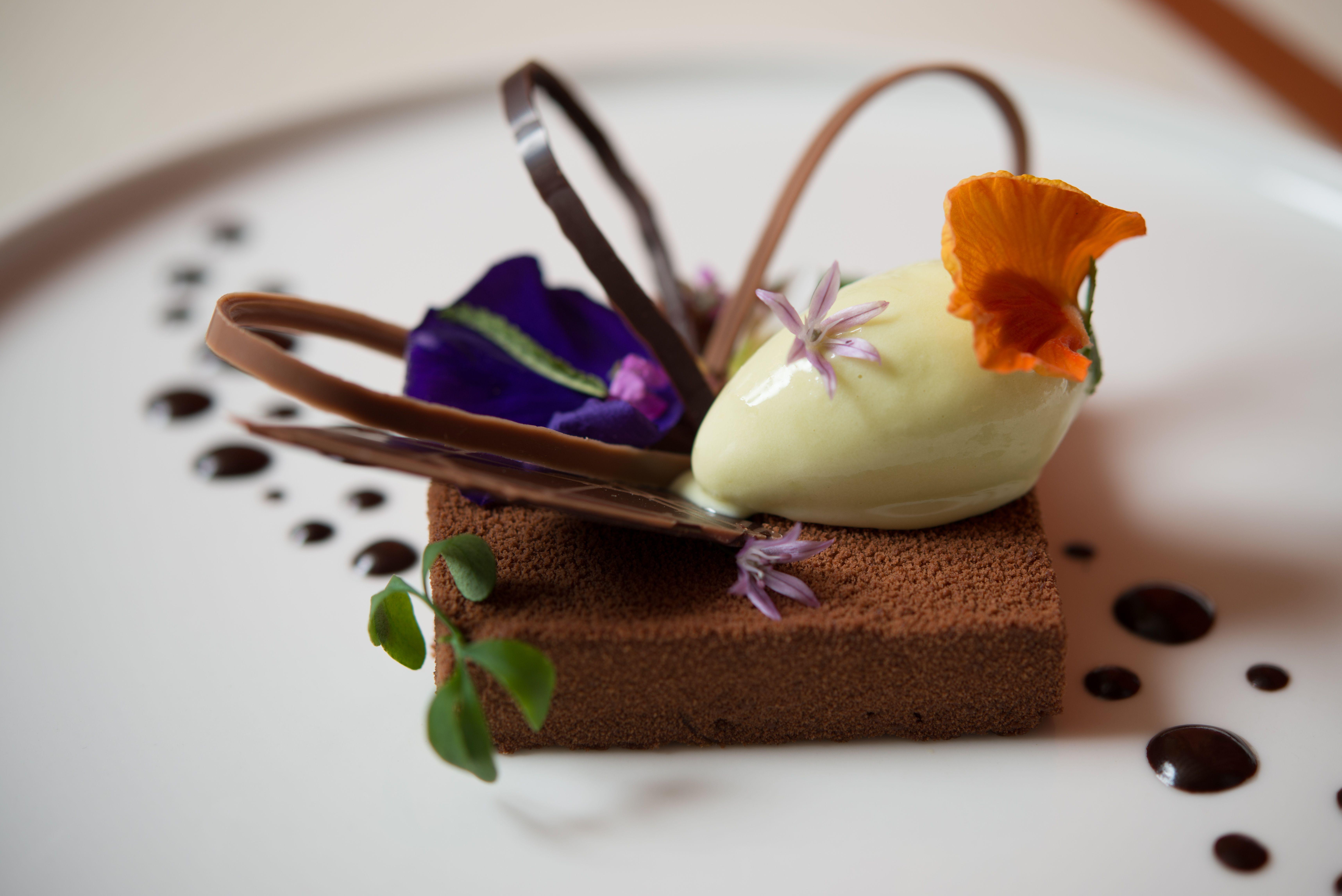 1 star michelin dessert #frenchy #icecream #cake #food #luxe #chef