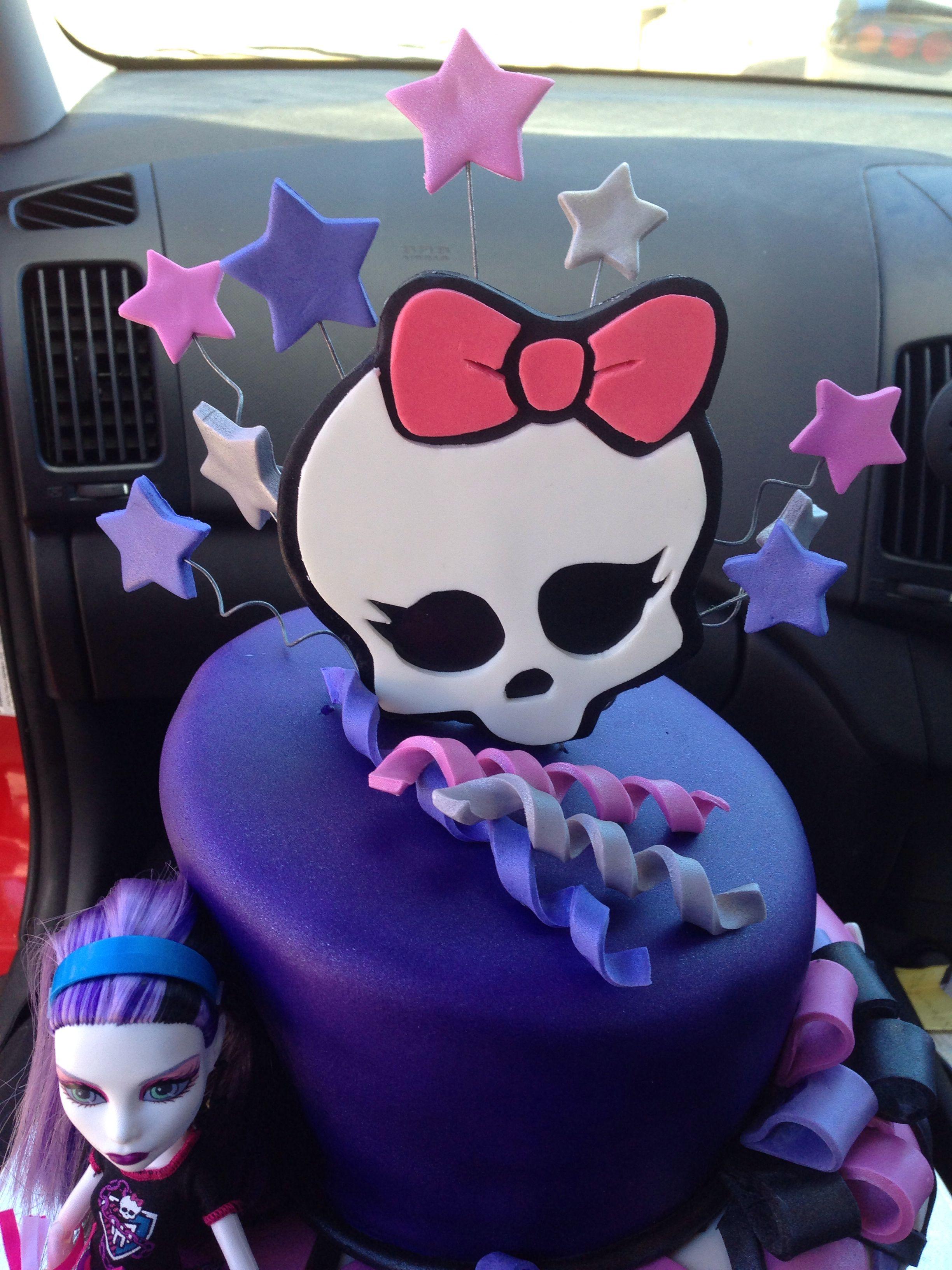 Monster high cake topper. #monsterhigh | Monster high cake ...