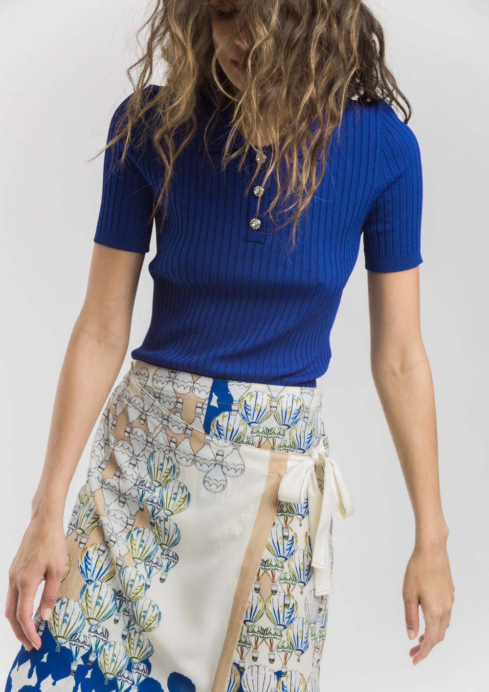 Polo de punto canalé azul de Alba Conde #fashion #brand #inspiration #inspo #outfit #look #newcollection #ss20