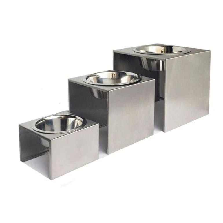 single elevated dog feeder