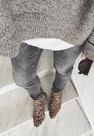 Qui dit hiver dit aussi... grand retour des Ugg ! Moelleuses, chaudes et follement confortables, les grosses boots australiennes sont de véritables cocons pour les pieds quand les températures frôlent...