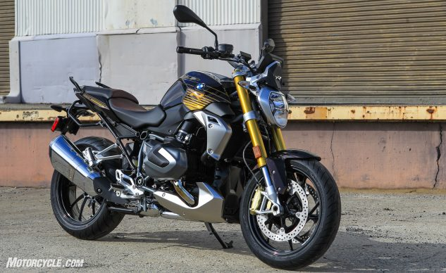 Better Boxers 2020 Bmw R1250rs R1250r Review In 2020 Bmw Boxer Power Bike