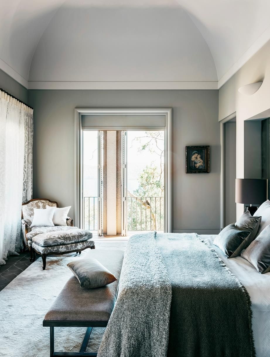 palm beach villa with italian inspired design stucco boiseries rh pinterest ca