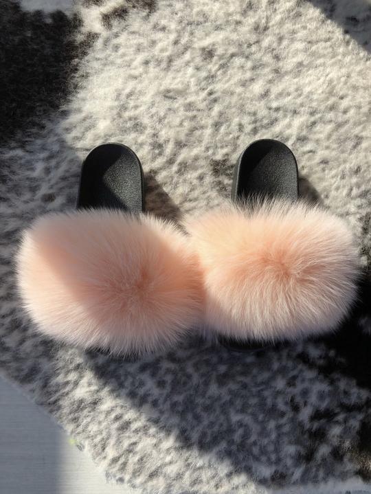 Fur Slides - Page 4 - FORSAKEN in 2020 | Fluffy sandals ...