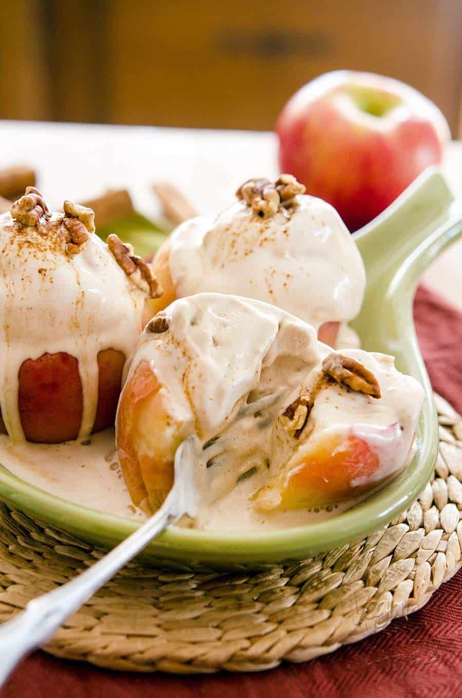 Baked Apple Cinnamon Sundaes #icecreammaker