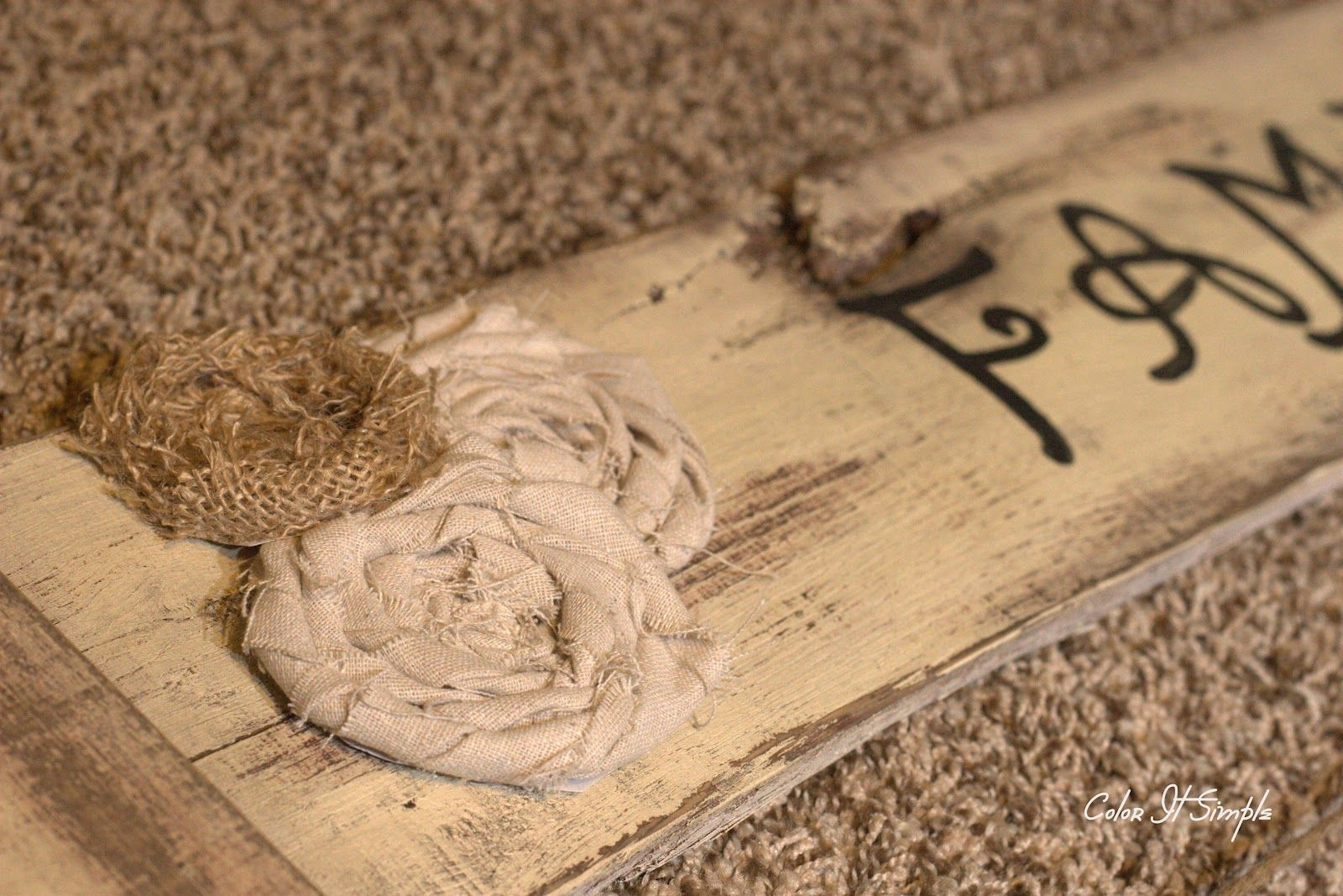 Color It Simple: Trash to Photo Treasure....Wood Pallet Art Tutorial