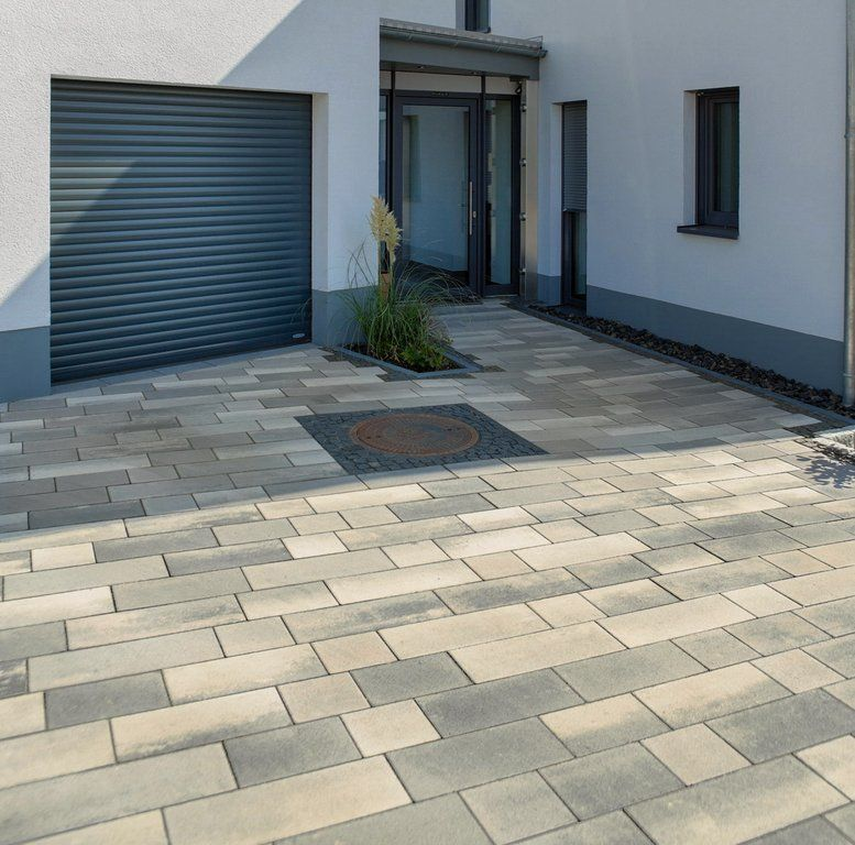 Pflastersteine eingangsbereich  Bildergebnis für pflastersteine beton mit natursteinen kombiniert ...
