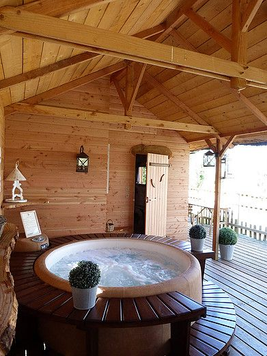 Revendeur Softub Et Produits Softub En Brabant Wallon Spa A Domicile Jacuzzi Hot Tub Backyard Round Hot Tub Jacuzzi Outdoor