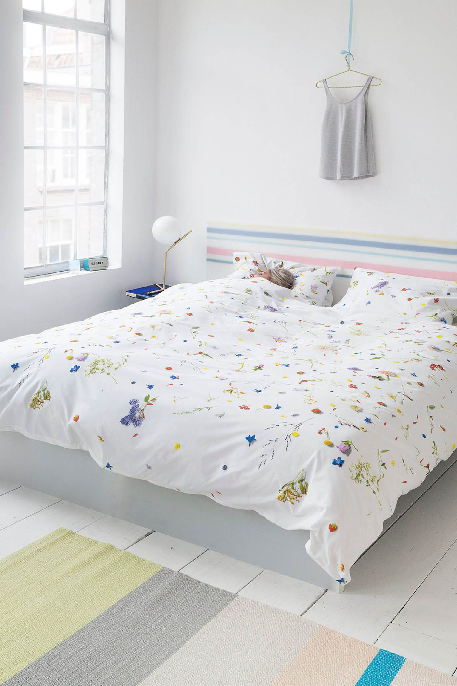52bdac0a3c3fda SNURK Flower Fields Duvet Cover - € 99,95 Duvet covers with flower print  are countless. But yet there has never been one this fresh and this real  looking.