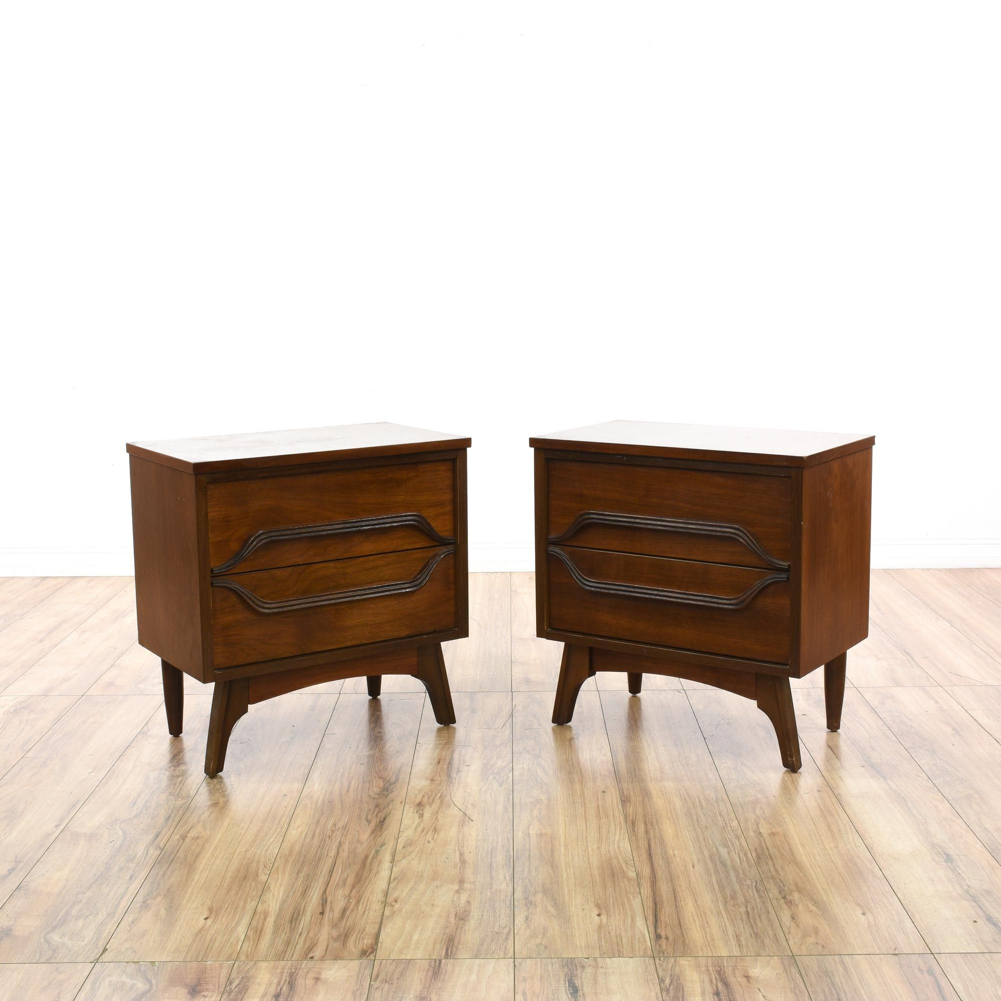 Best This Pair Of Mid Century Modern Nightstands Are Featured 640 x 480