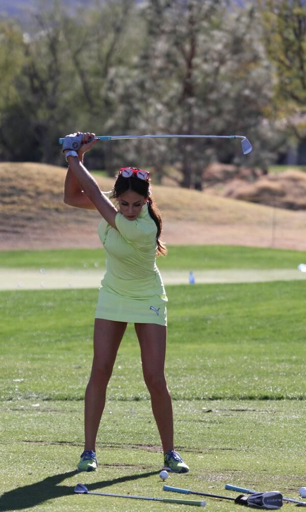 Golf Channel's Holly Sonders had the honor of throwing out ...