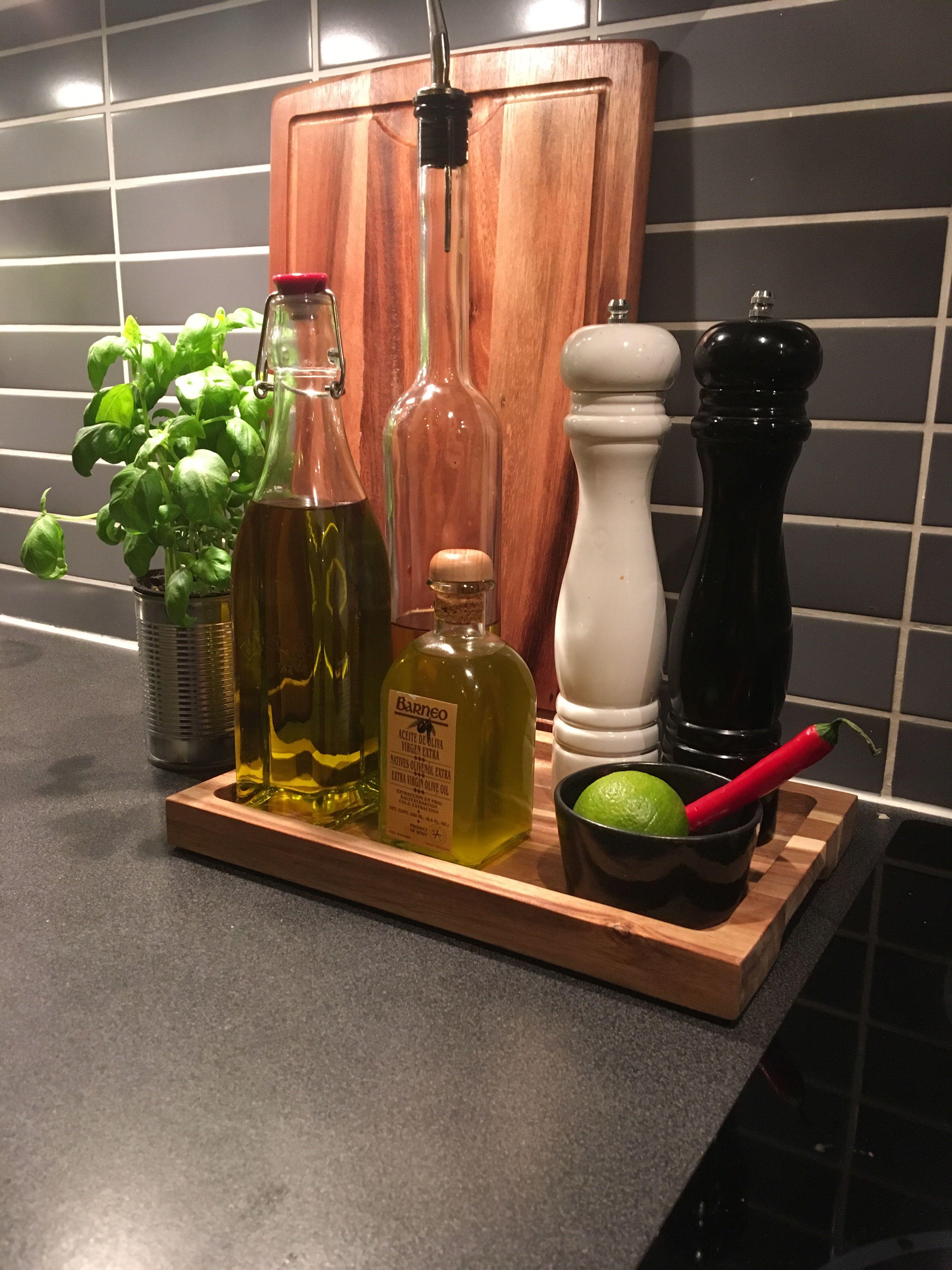 Pin By Maria Castro On Kok Kitchen Decor Collections Kitchen Countertop Decor Kitchen Counter Decor