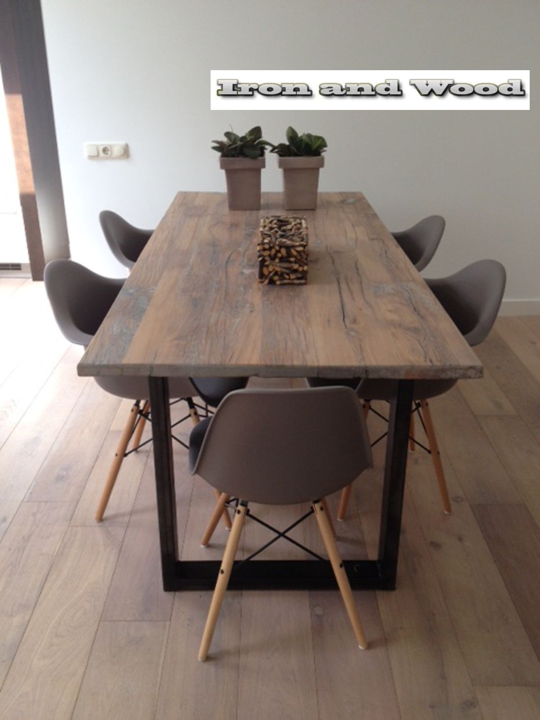 Massief eiken tafel h balk staal onderstel www.kaldenbach meubels ...