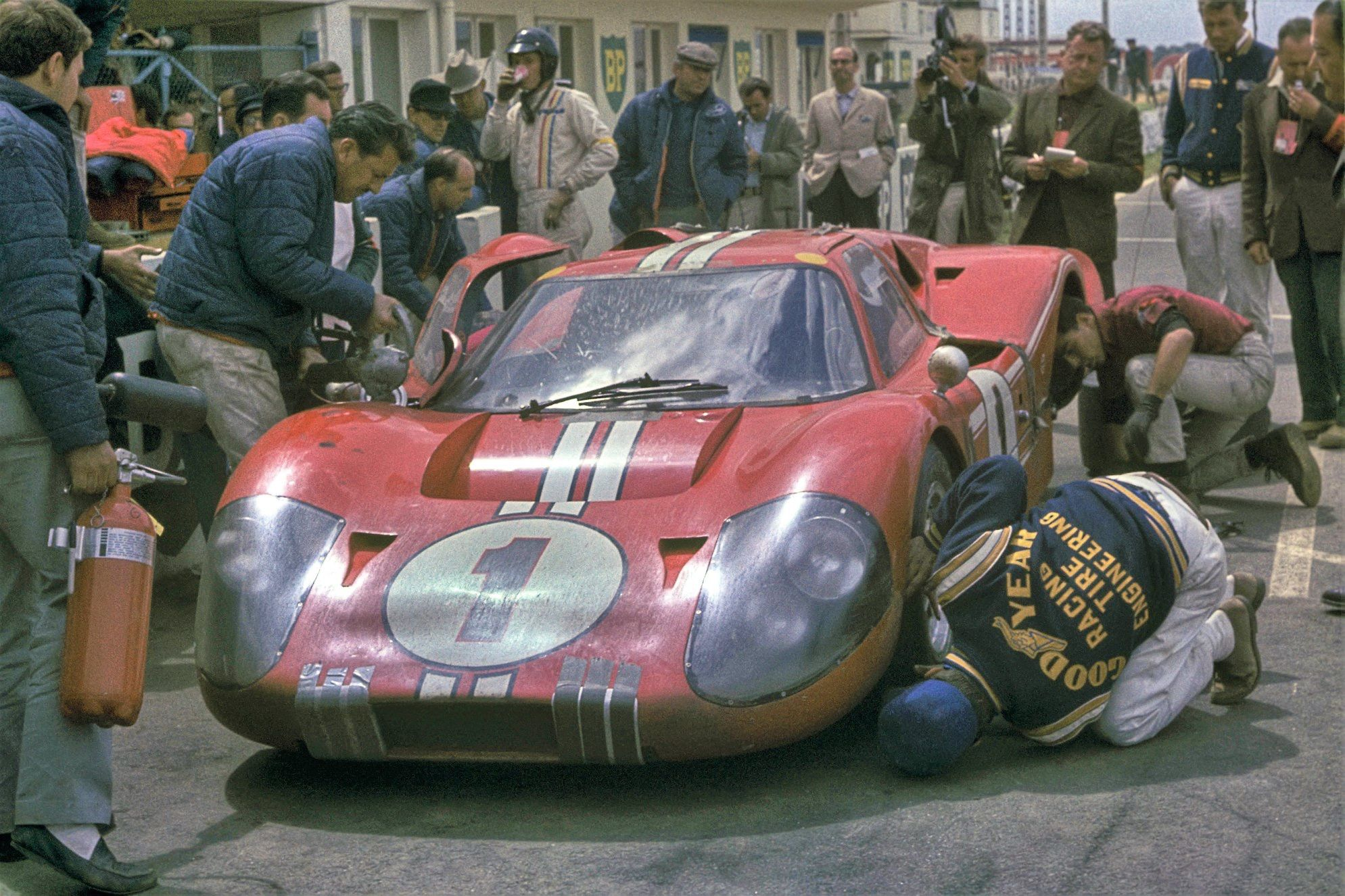 Pin By Roger Franklin On Ford Gt With Images Le Mans Ford