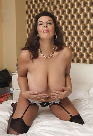 Порно матюрез в чулках фото 205-815