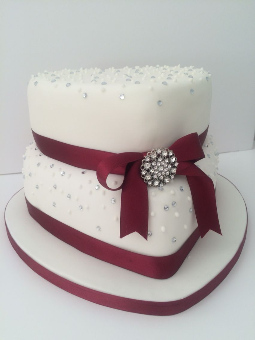 Ruby Wedding Cake With Edible Diamonds And Diamant Brooch Cakes