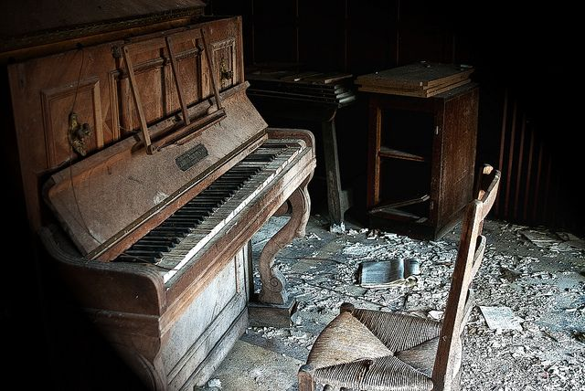 .L'hôtel 66. The piano. | Fallowsite | Flickr