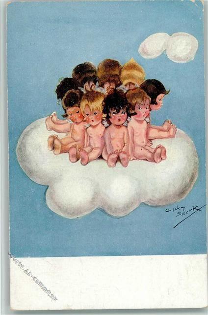 kleine nackte Engel auf einer Wolke: