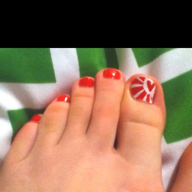 Heart toe nails<3