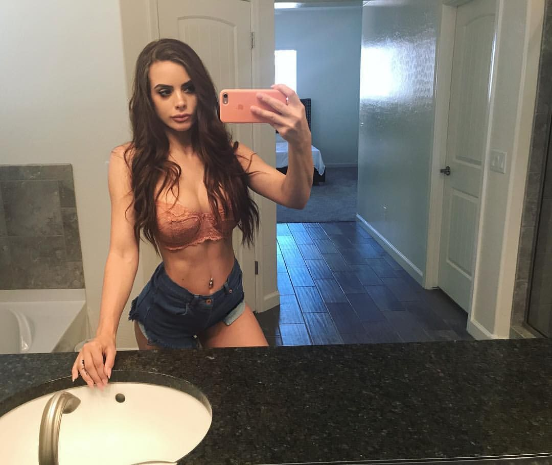 Simple Girl Yooying Allison Parker