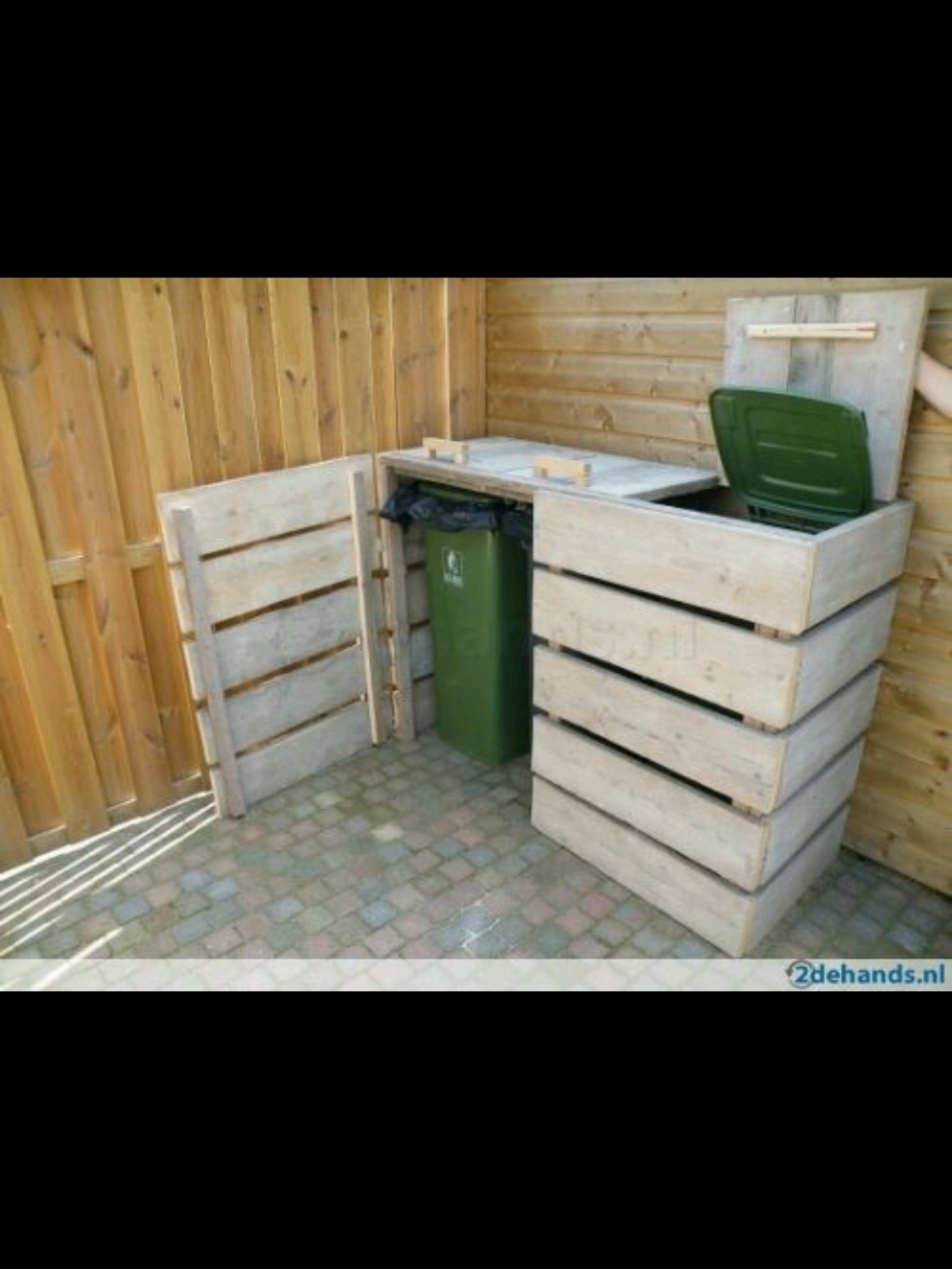 Outside Trash Can Container · Palette FurnitureOutdoor FurnitureWoodwork RecyclingContainerBackyardDiy IdeenTricksTheir