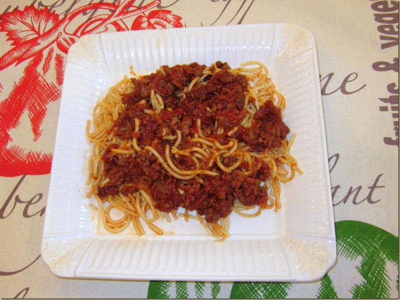 A Southern Belle Dishes on Decor: Easy Olive Garden Spaghetti Sauce
