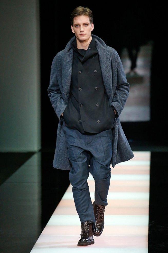 6bcffea7c0179 Desfile Giorgio Armani Inverno 2016 RTW na semana de moda masculina de Milão.  Veja a